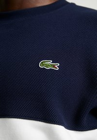 Lacoste - Sweatshirt - farine/marine - 5