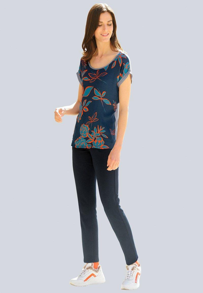 Alba Moda - Print T-shirt - marineblau,orange