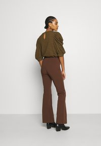 Monki - VIOLET TROUSERS - Trousers - brown - 2