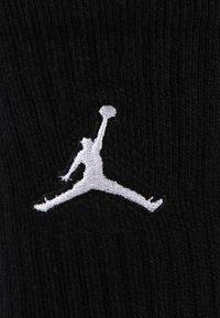 Jordan - JUMPMAN CREW 3 PACK - Skarpety sportowe - black/white/gym red - 3
