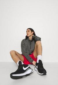 Nike Sportswear - TRIBUTE - Shorts - university red - 3