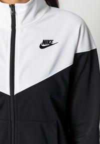 Nike Sportswear - TRACK SUIT SET - Zip-up sweatshirt - black/white - 4