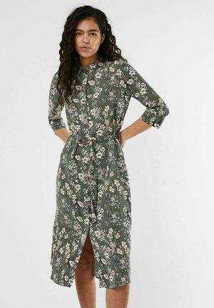 Shirt dress - laurel wreath