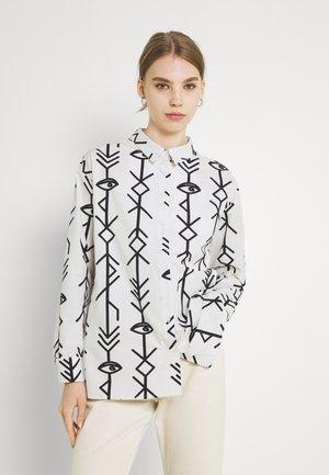 EMBLEM LONG SLEEVE SHIRT - Button-down blouse - off-white