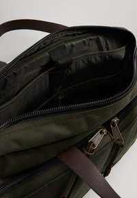 Filson - DRYDEN BRIEFCASE - Attachetasker - ottergreen - 4