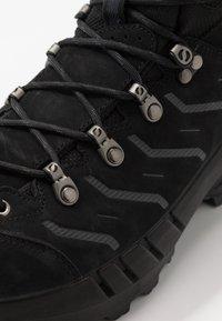 Scarpa - CYCLONE GTX - Zapatillas de senderismo - black/gray - 5