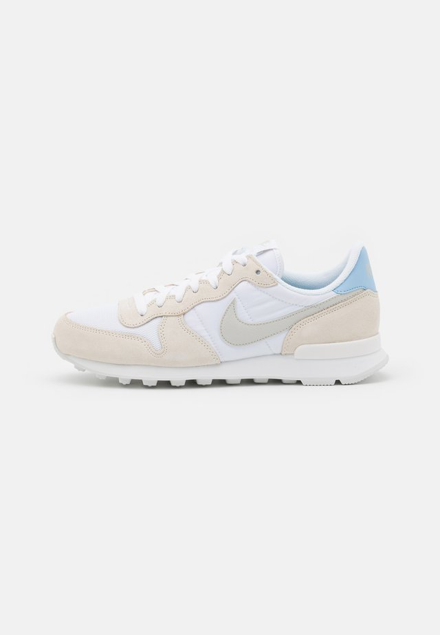 INTERNATIONALIST - Sneakers laag - white/light bone/pale ivory/summit white