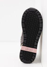Liu Jo Jeans - MAXI - Trainers - black/nude - 6