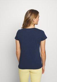 Mos Mosh - ARDEN V NECK TEE - Basic T-shirt - navy - 2
