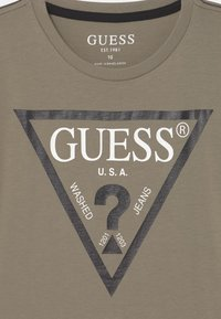 Guess - JUNIOR CORE - T-shirt con stampa - grunge green - 2
