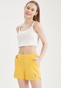 DeFacto - Swimming shorts - yellow - 0