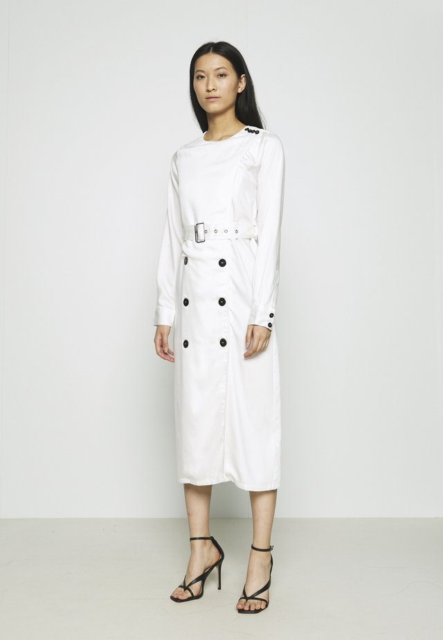 TRENCH DRESS - Sukienka letnia - cream