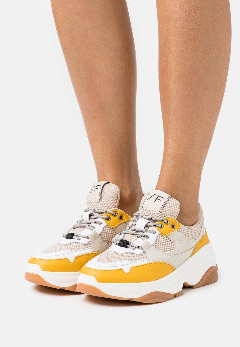 Selected Femme - Sneakers laag - citrus