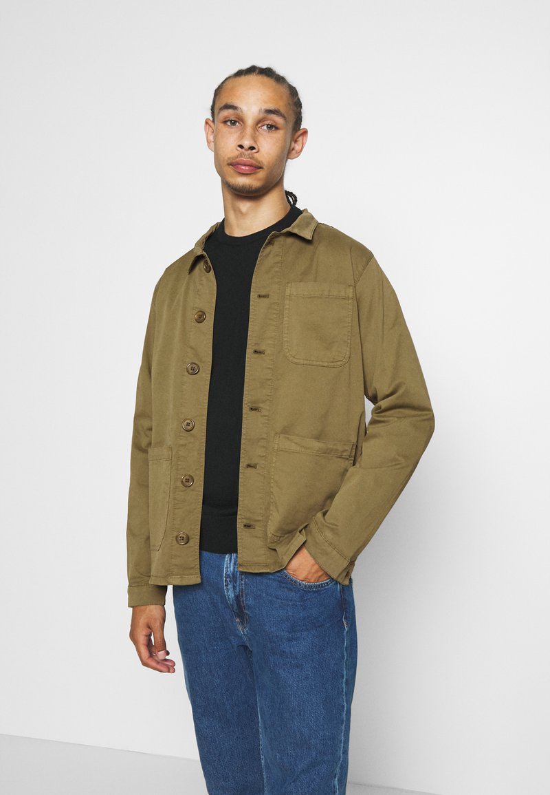 BY GARMENT MAKERS - WORKWEAR JACKET - Tunn jacka - oil green