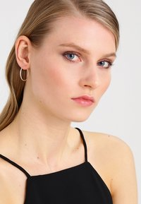 Pilgrim - Earrings - silver-coloured - 1