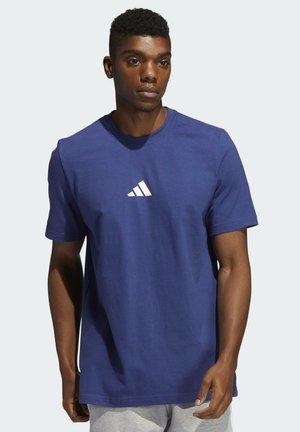 ADIDAS GEO SHORT SLEEVE GRAPHIC T-SHIRT - T-shirts med print - blue