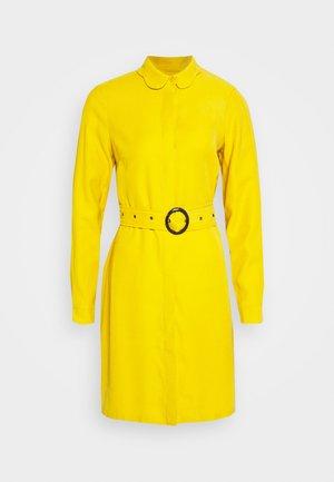 PERI DRESS - Robe chemise - lemon curry