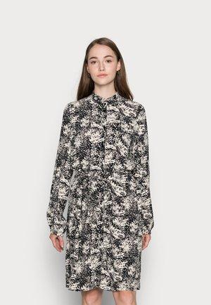VMRILLO SHIRT DRESS  - Blousejurk - birch