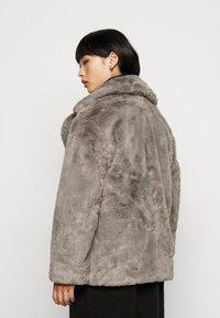 New Look Petite - Zimní bunda - dark grey - 2