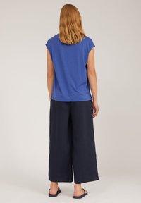 ARMEDANGELS - JILAA - Basic T-shirt - deep ultramarine - 2