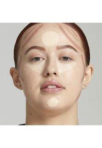 Nyx Professional Makeup - STICK - Contouring - 1 light - 1