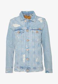JJIJEAN JJJACKET - Denim jacket - blue denim