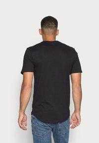 Only & Sons - ONSMATT LONGY TEE 3 PACK - T-shirt basic - black - 2