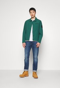 Timberland - MOUNTAIN  - Summer jacket - hunter green - 1