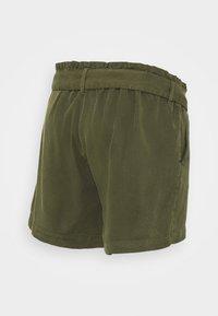 MAMALICIOUS - MLELLENA WOVEN - Shorts - olivine - 1