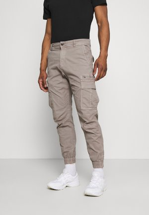 URBAN - Pantaloni cargo - duster cloud