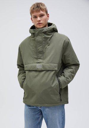 MIT BAUCHTASCHE - Light jacket - khaki