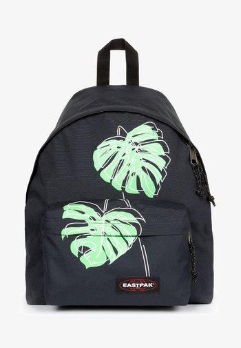 PAKR - Rucksack - placed leaves