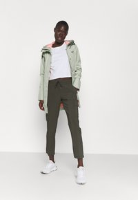 The North Face - NEVER STOP WEARING PANT  - Cargohose - new taupe green - 1