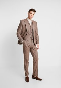 Shelby & Sons - CRANBROOK SUIT - Traje - light brown - 1