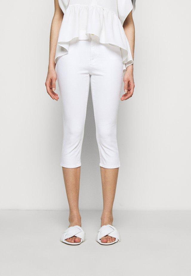 LE HIGH PEDAL PUSHER - Shorts - blanc