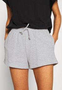 Gina Tricot - ABBIE - Shorts - light grey melange - 5