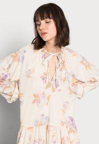 ARKET - DRESS - Kjole - rose flower - 3