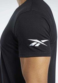 Reebok - T-shirts basic - black - 5
