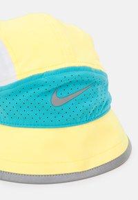 Nike Performance - BUCKET UNISEX - Kapelusz - citron pulse/chlorine blue/white - 3