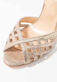 Jonak - DAICHYAN - Sandály na vysokém podpatku - platine - 2