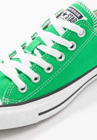Converse - CHUCK TAYLOR ALL STAR SEASONAL COLOR - Sneakers - bold kiwi - 5
