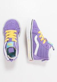 Vans - THE SIMPSONS SK8 ZIP - Sneakers alte - purple - 1