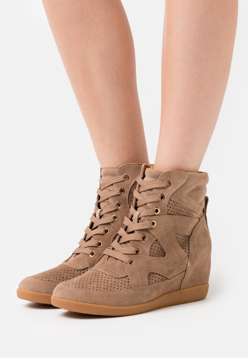 Shoe The Bear - EMMY LACE - Ankle boots - taupe