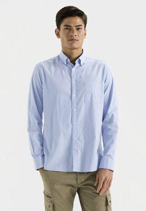 REGULAR FIT - Shirt - sky blue