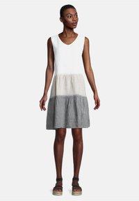 Cartoon - SOMMER OHNE ARM - Day dress - beige/white/grey - 0