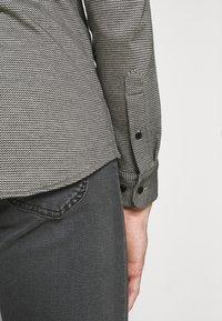 Calvin Klein Tailored - SLIM FIT - Shirt - black - 4
