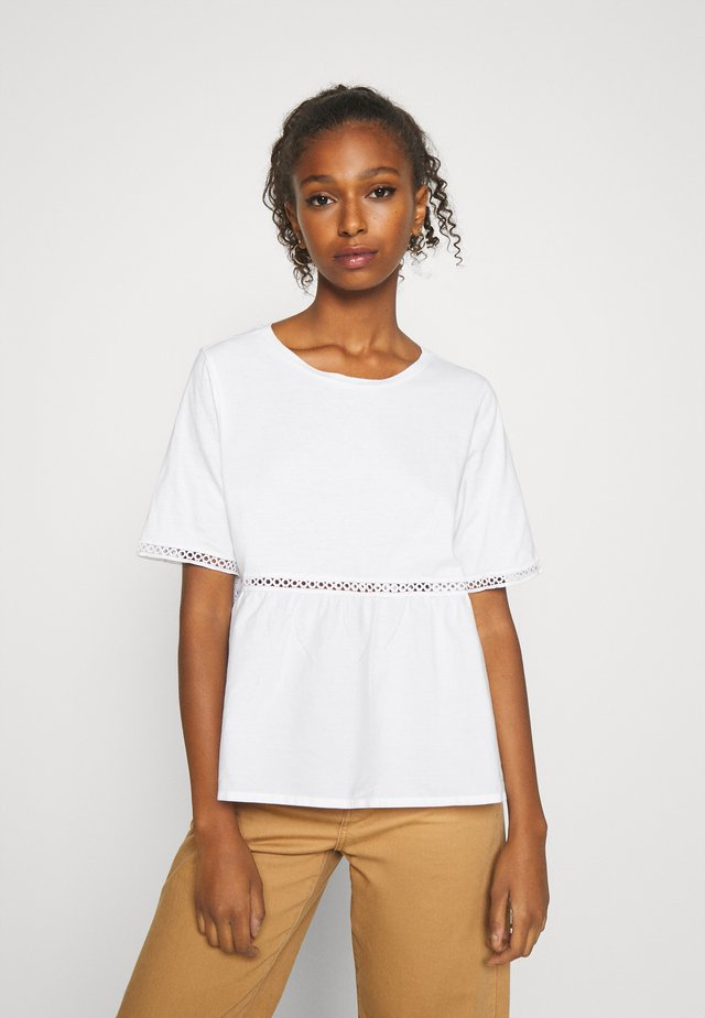 NMTERIA LOOSE TOP - Jednoduché triko - bright white