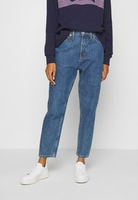 GAP - MOM STANTON - Jeans relaxed fit - medium wash - 0