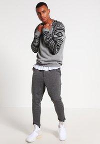 YOURTURN - Sweatshirt - mottled grey - 1