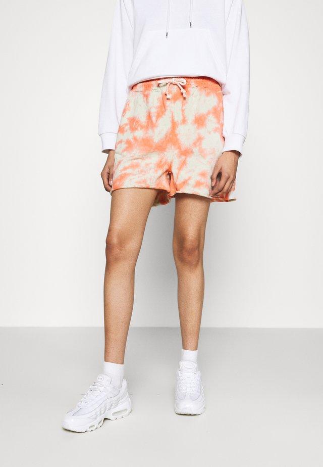 TIE DYE ELASTICATED WAIST RUNNER SHORTS - Shorts - orange